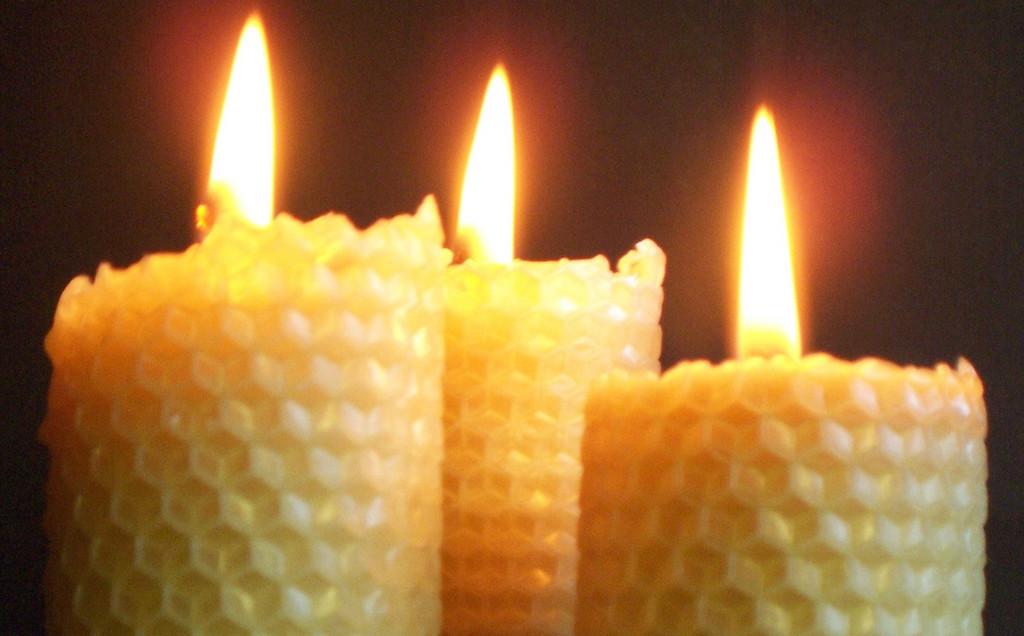 Kaarsjes In Huis : Bijenwas kaarsen zonder paraffine zijn minder ongezond